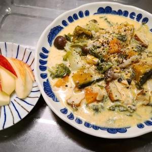 鮭とカボチャと白菜の豆乳スープ