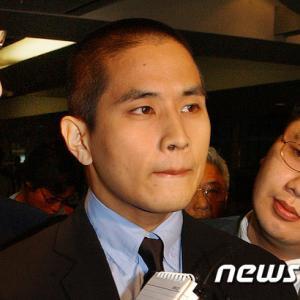 ユ・スンジュン 兵役逃れと見なされ韓国入国拒否の件