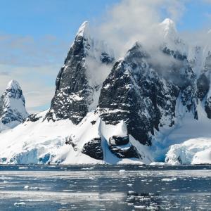 【温暖化が真実かは議論がありますが、気候変動はマジモンなようです。】南極で史上初の気温20度超 研究者「信じがたく異常」:朝日新聞