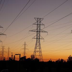 【ケーブル盗難対策?えアルミも価値ありますよねえ・・・。】盗難防止に効果あり? メガソーラー発電所にアルミケーブル採用、古河電工:環境ビジネスオンライン