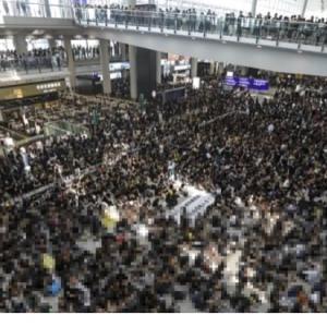 香港空港閉鎖…全便キャンセル(>人<;)