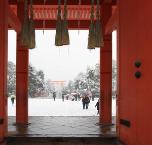 雪の京都 神宮道を知恩院へ
