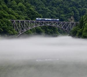 只見線に会津鉄道お座トロ展望列車がやって来た! -上り編-