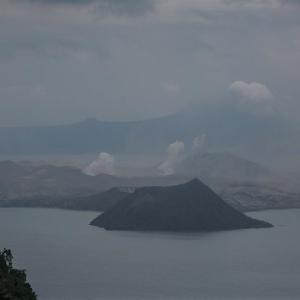 タール山で続く火山活動が沈静化の兆し