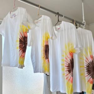 ヒマワリTシャツ、染めさせていただきました!