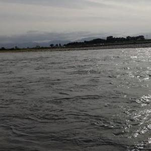 神ってる川へ。