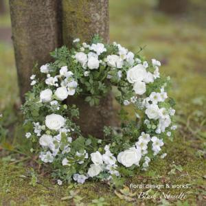 初夏を彩る白いWreath