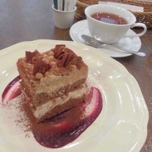 独特のふんわりケーキ!アフタヌーンティーのモンブラン♪