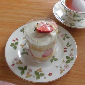 まるでオムレット!ふわふわの苺ショートケーキ♪~フィリア