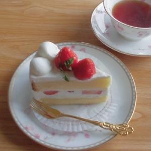 イチゴ2個最強!イチゴショート♪&フォカッチャ~札幌グランドホテル