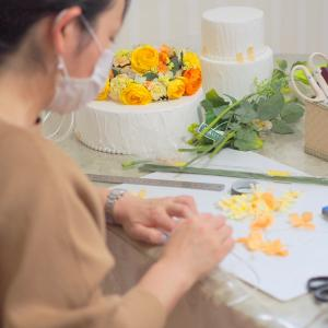 ケーキスタイルで飾る花冠 デザインは特許庁に意匠登録!お教室の差別化になるフラワークラウンケーキ