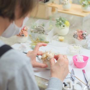 超可愛い~ボタニカルエッグを趣味レッスンでお作りいただきました|プリザーブドフラワー教室 神戸