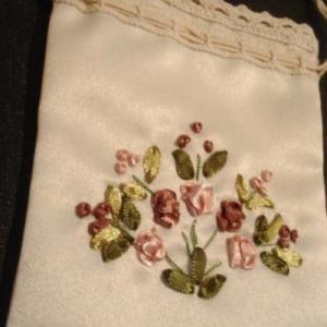 リボン刺繍の手工芸 キプロスのお土産をいただきました