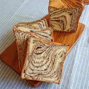 手作りチョコシートでマーブルチョコ食パン