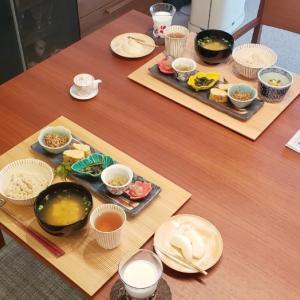 今朝のご飯と四国のお土産♪