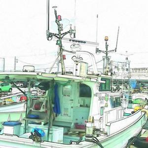 沖縄市泡瀬漁港の海と船とクラゲと…