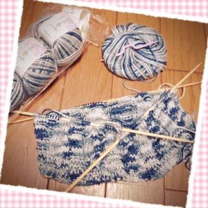 キッズ用の帽子を編み始めました。