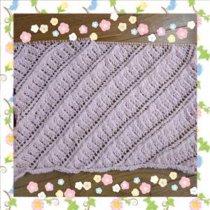ピンクの編み物は今のところ順調です。