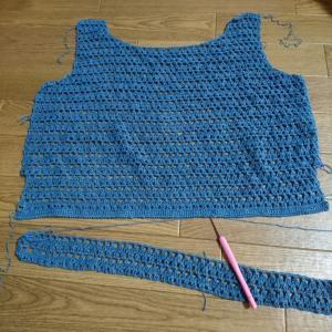 今日のお昼ごはんと編み物。