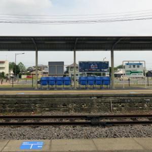 Station 無人の駅の折り畳み椅子 上菅谷駅