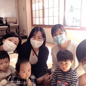 1才の赤ちゃん達もダウンドック^^一緒にできると楽しいね【四宮ヨガクラスレポ】