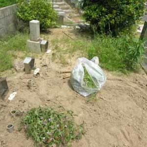 墓石の傾き