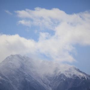 吐雲の雪嶺