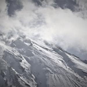 奏でる雲、富嶽冬景