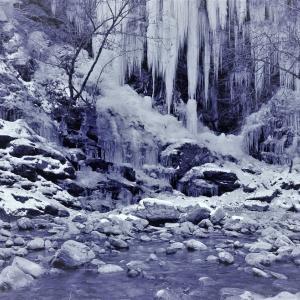 凍れる楽譜、氷瀑の冬