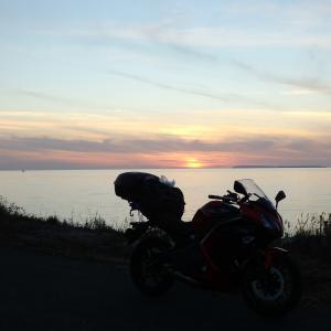 利尻富士と天文台と夕日