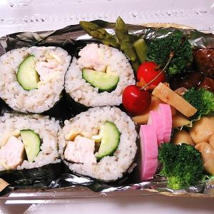 バテ解消鶏胸肉の海苔巻きと蕎麦サラダ
