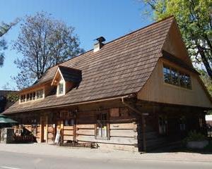 明るいポーランド 9 ザコパネの木造建築