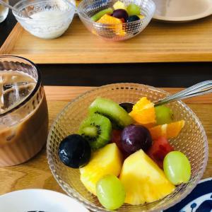 今日の朝はフルーツたっぷり