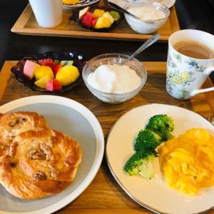 遅めの朝食