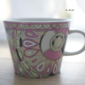 エレガントなマグカップ