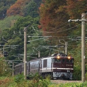 秋色の客車列車