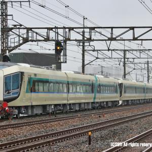 東海道線をゆく東武リバティ