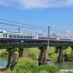 信越本線をゆく優等列車