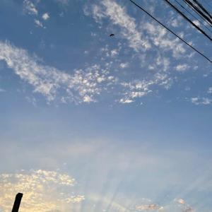 夏至の夕空に天使の梯子♪