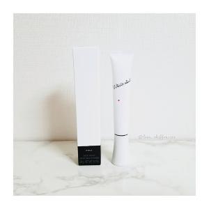常識を覆し、徹底的に白を追求するホワイトショットの薬用美白美容液。
