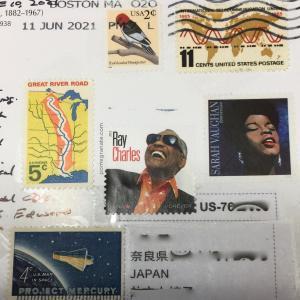 素敵な切手でエアメールが届きました。