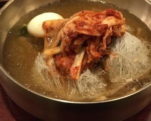 本場の味、咸興冷麺の水冷麺〜チョンギワ新館〜