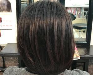 ファッションカラーだけで低アルカリ頭皮がしみにくい濁らない白髪染め〜磐田市〜