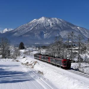 黒姫山と115系