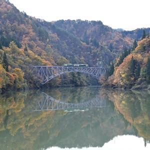 只見川第一橋梁の紅葉を撮る