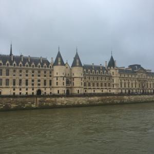 2020年 パリへ コンシェルジュリー