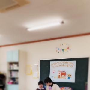 幼稚園の誕生日会で英語の先生をする