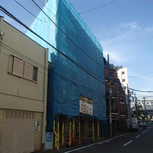 マンションの改修工事 仮設足場の組み立て完了