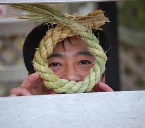 毎年恒例の正月の注連縄作り【In川柳】