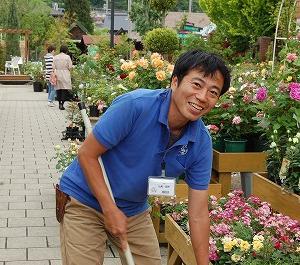 雨上がりのバラファ会場に山ちゃん川柳轟く!!【In川柳】
